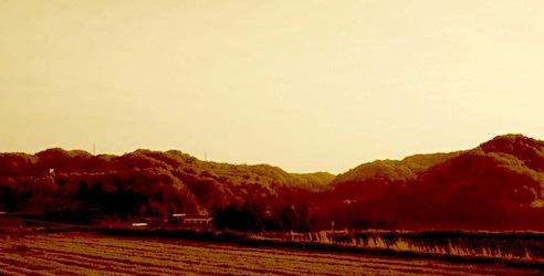 山と空の境界線