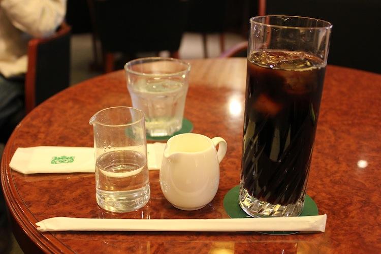 大阪のカフェにて
