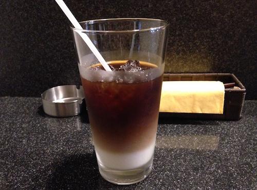 学校近くの喫茶店で、オーガニックコーヒーを頂きました。