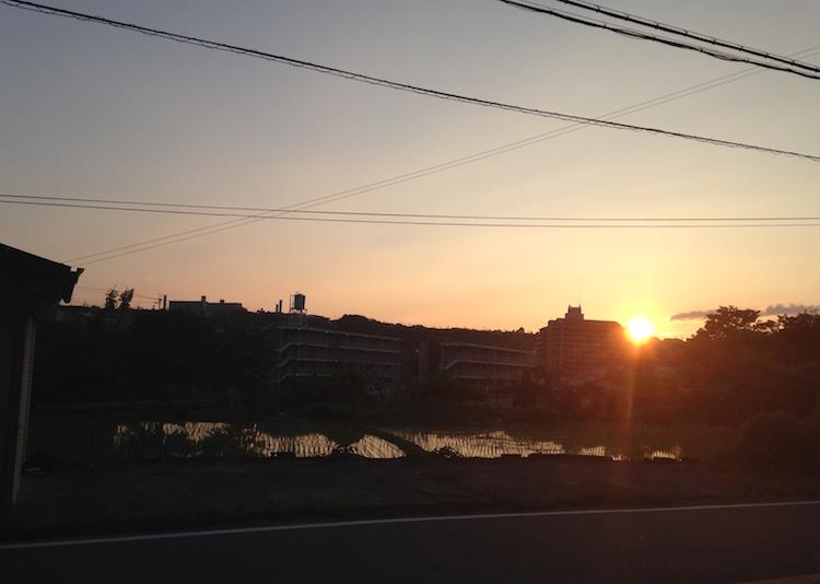道路からの夕焼け(6月下旬)