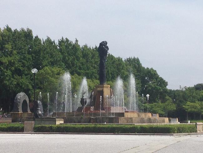 噴水(7月 緑地公園にて)