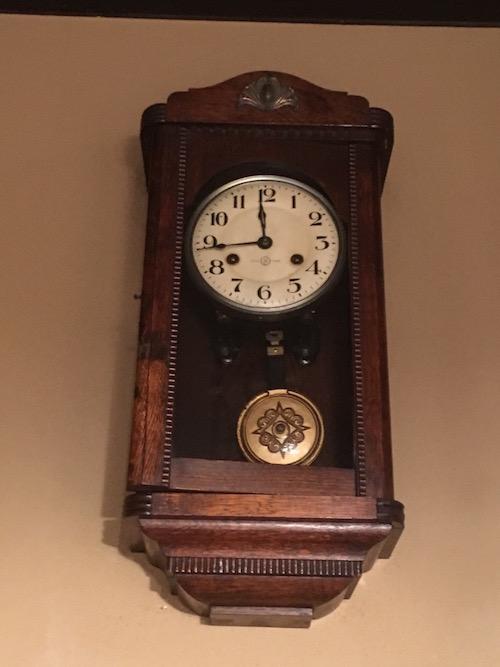一鍼堂の振り子時計