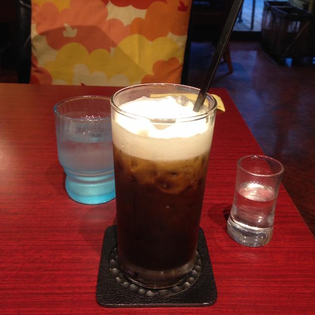 江坂の喫茶店にて