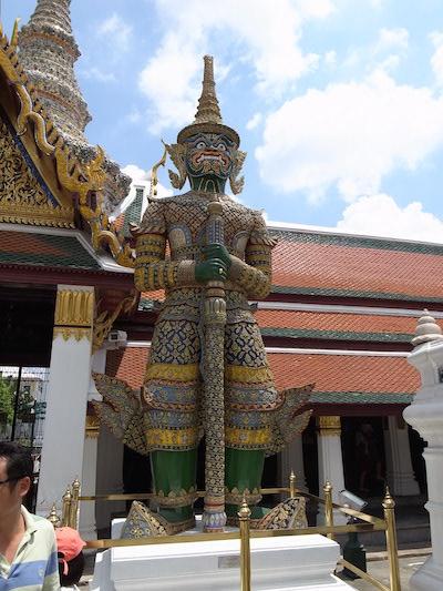 タイの仏閣にて