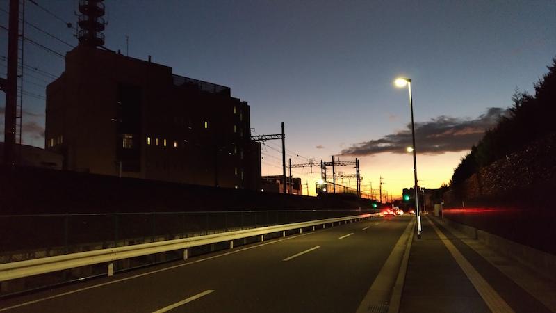 夕暮れ時と阪急電車
