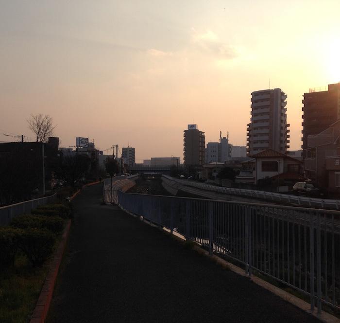 夕暮れ(春分の日の前日に撮りました。)