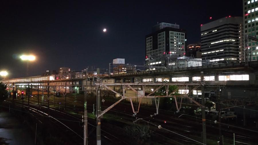 夜の宮原総合運転所