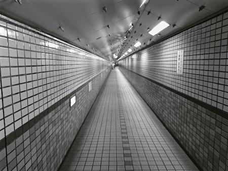 ちょっとひんやり。安治川トンネル