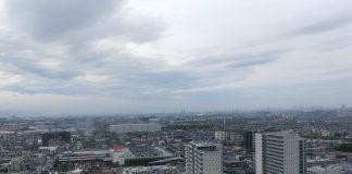 台風前日の雲