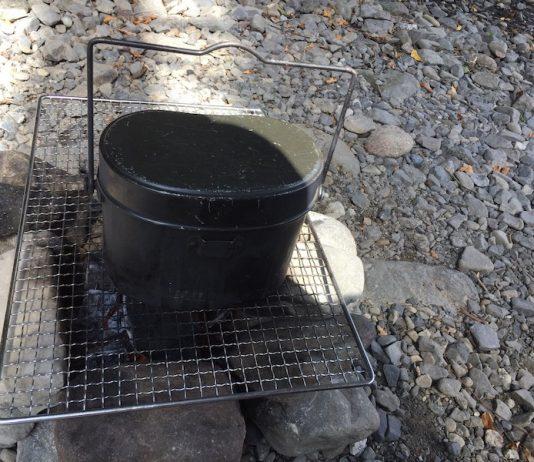 飯ごうで米炊き