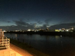 夕暮れ際の西の空